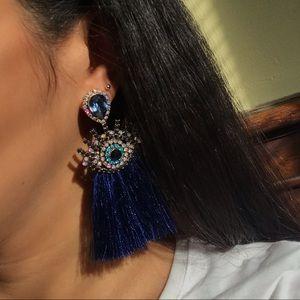 Jewelry - 🆕 Statement eye fringe earrings
